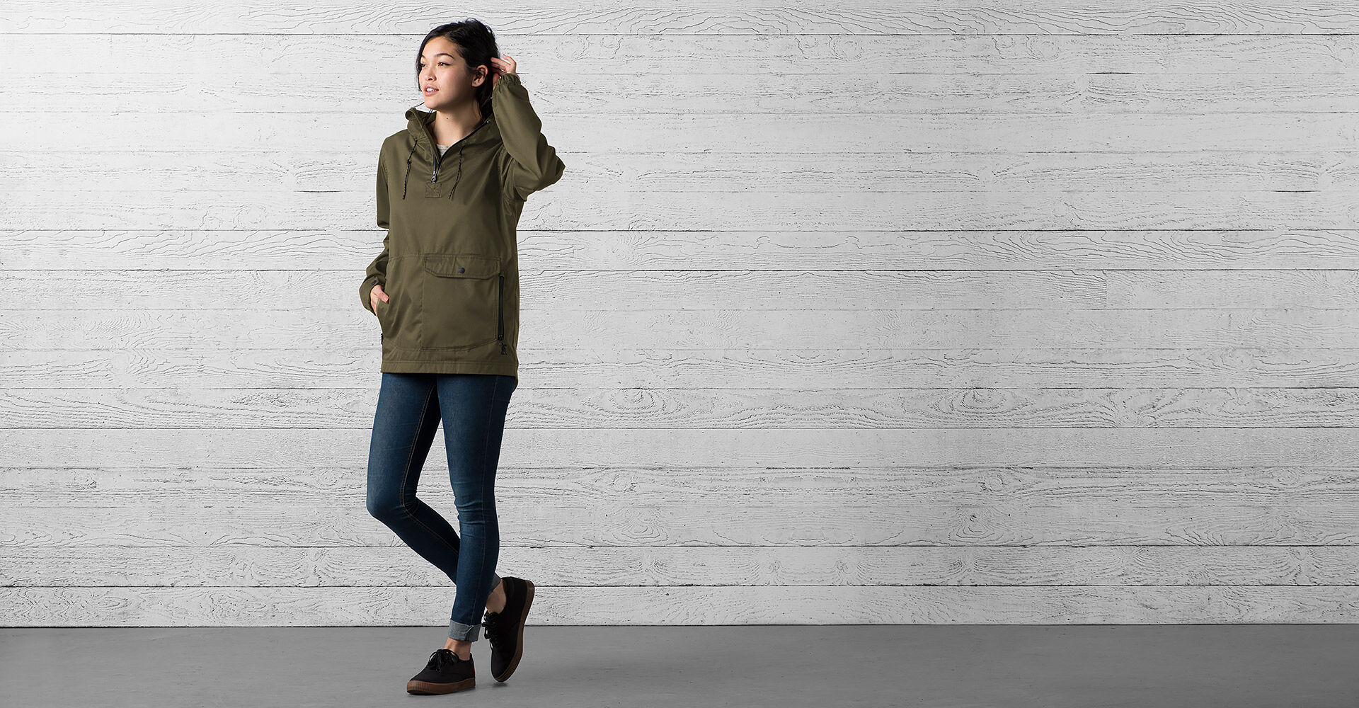 Skyline Windcheater Anorak in Military Olive - wide view.