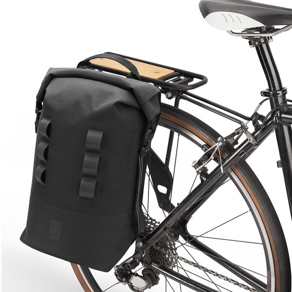 Urban Ex Pannier 2.0 in Black - hi-res view.
