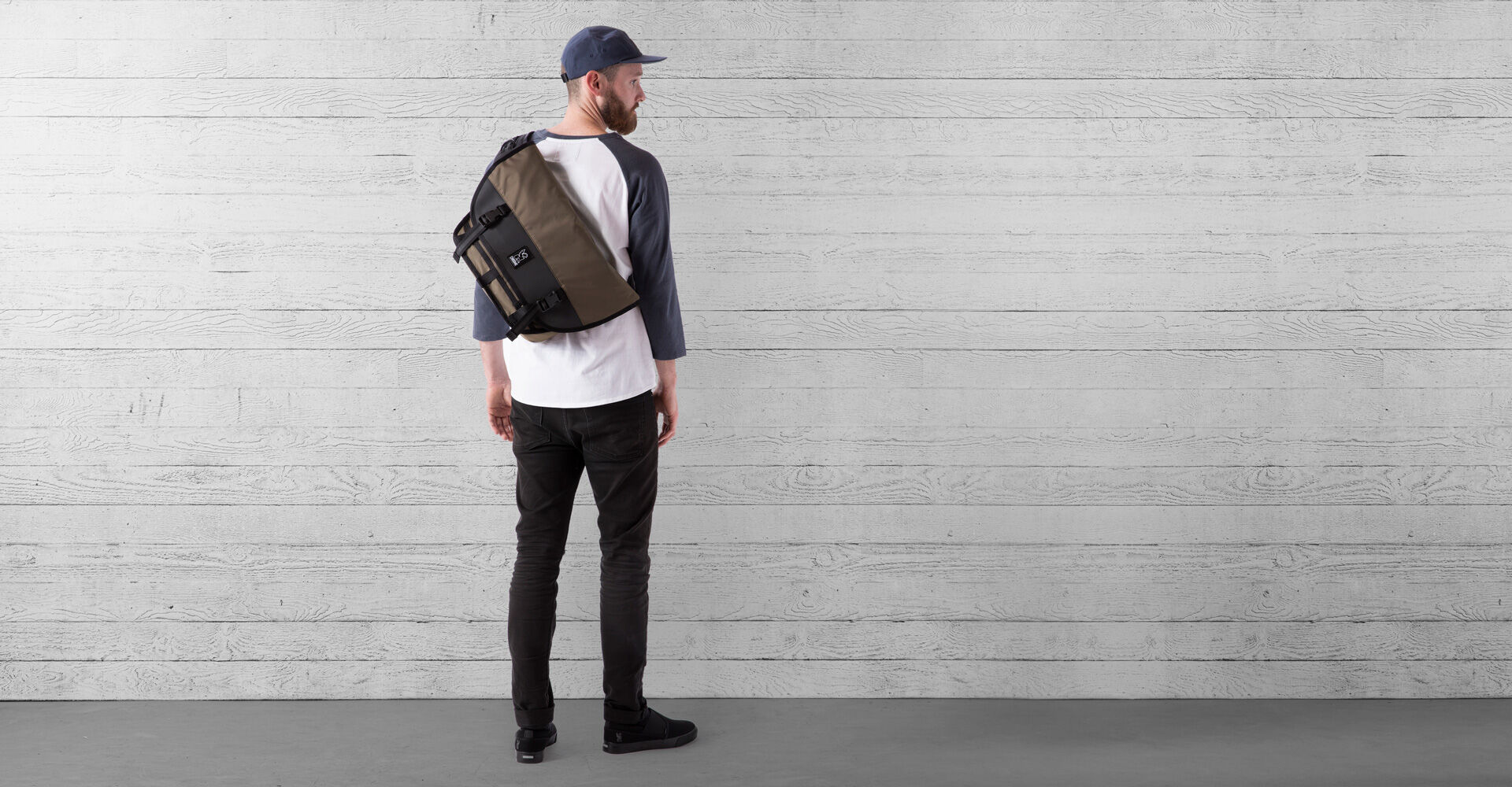 The Welterweight Mini Metro Messenger Bag in Ranger / Black - wide view.