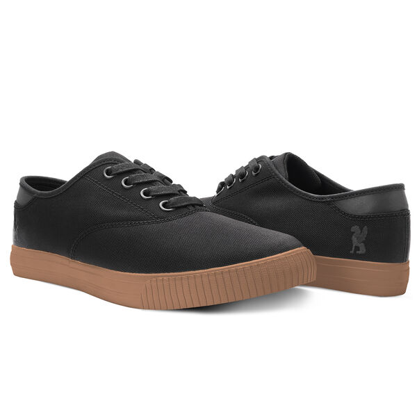 Truk Bike Shoe in Black / Gum - hi-res view.