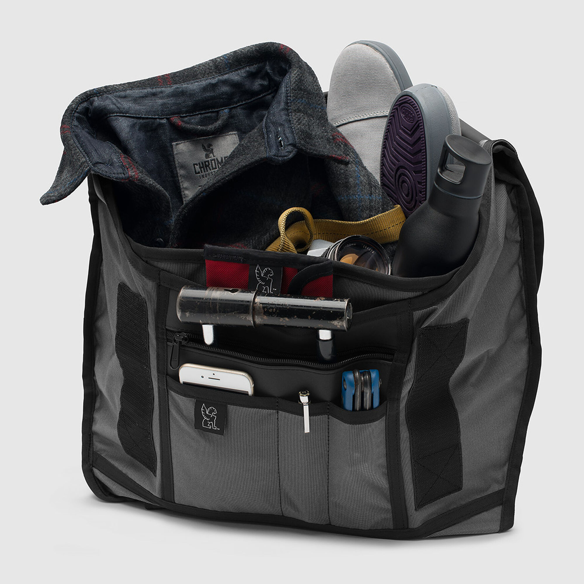 The Welterweight Citizen Messenger - Fits laptops up to 17