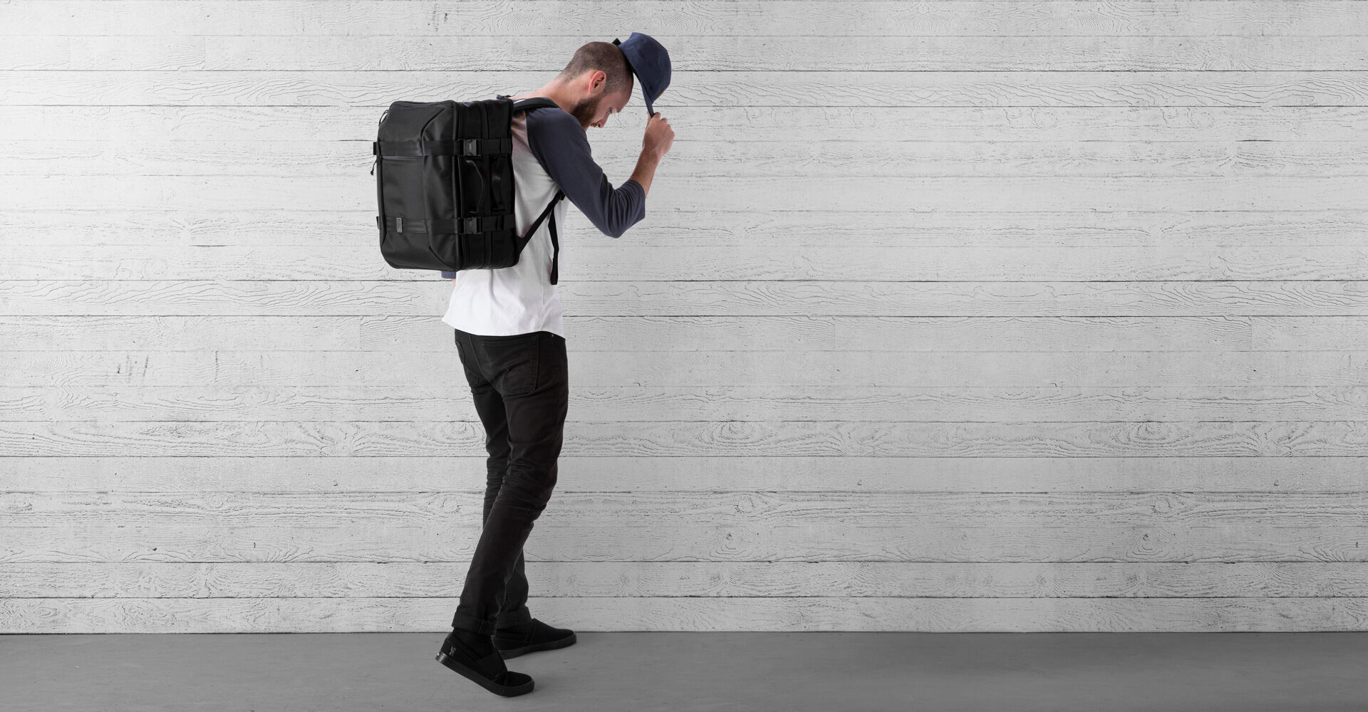 Macheto Travel Pack in All Black - wide view.