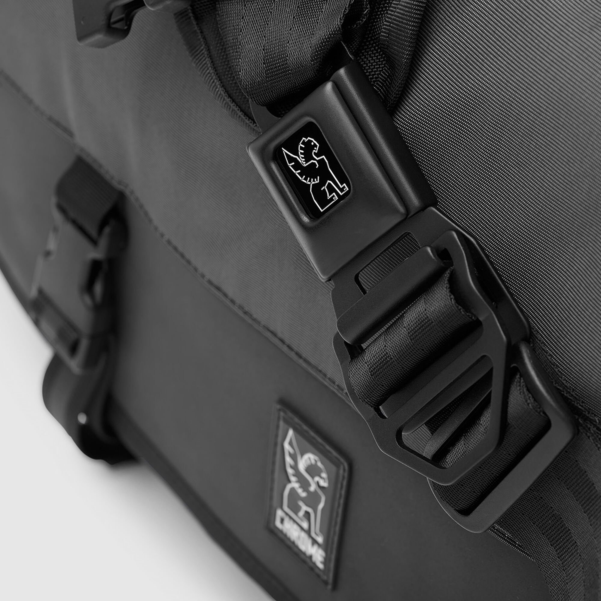 ad4beb78db The Welterweight Citizen Messenger - Fits laptops up to 17