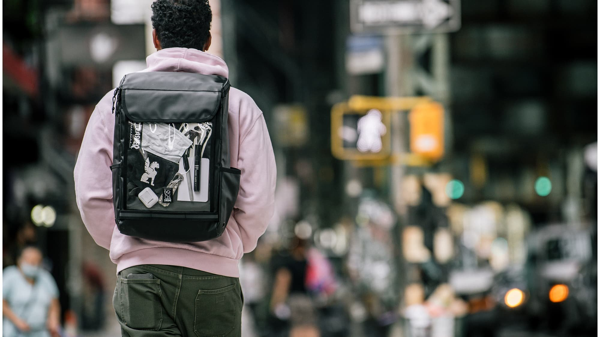 the clear tarp Volcan Backpack