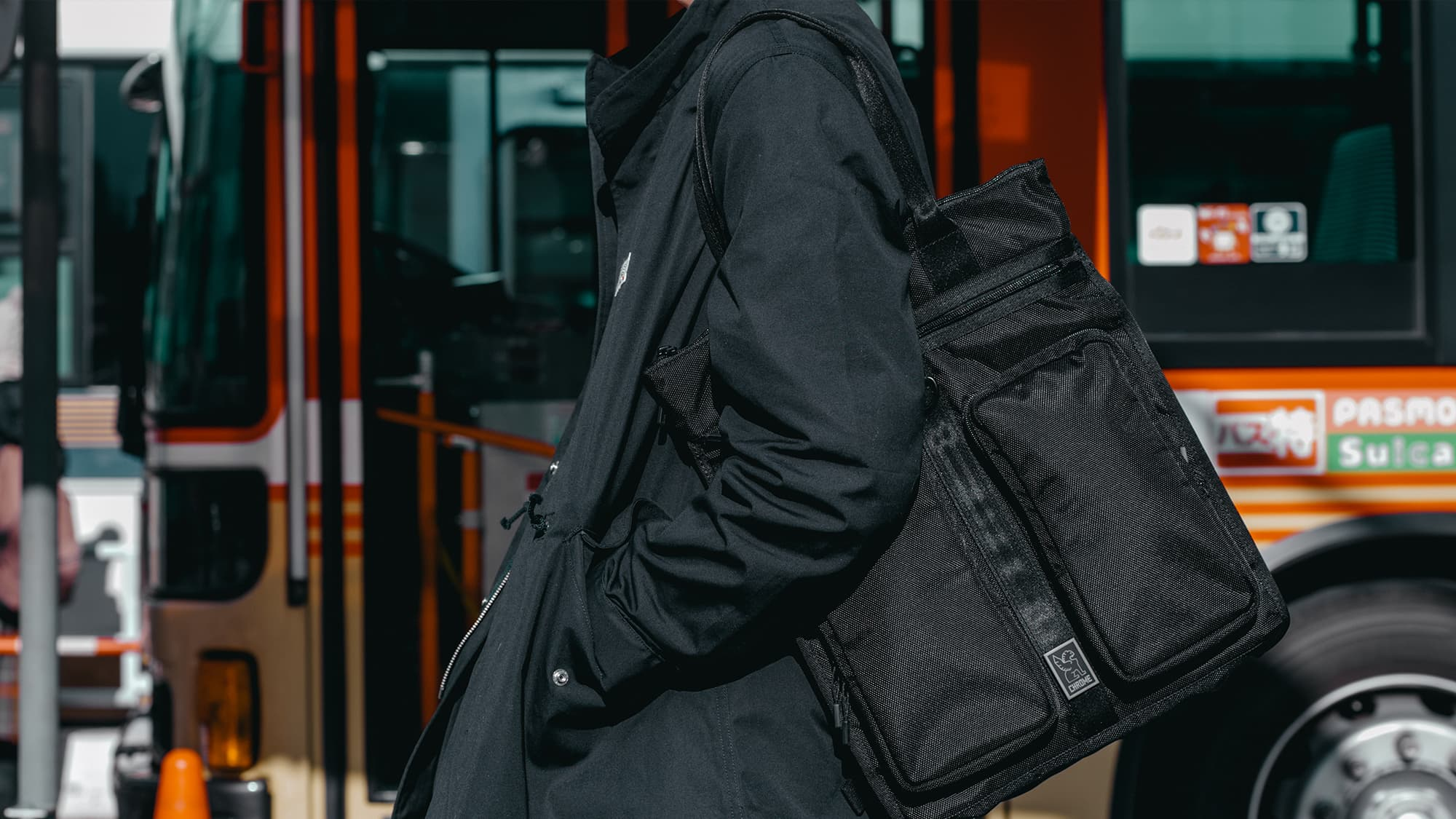 MXD Pace Tote, compact yet roomy