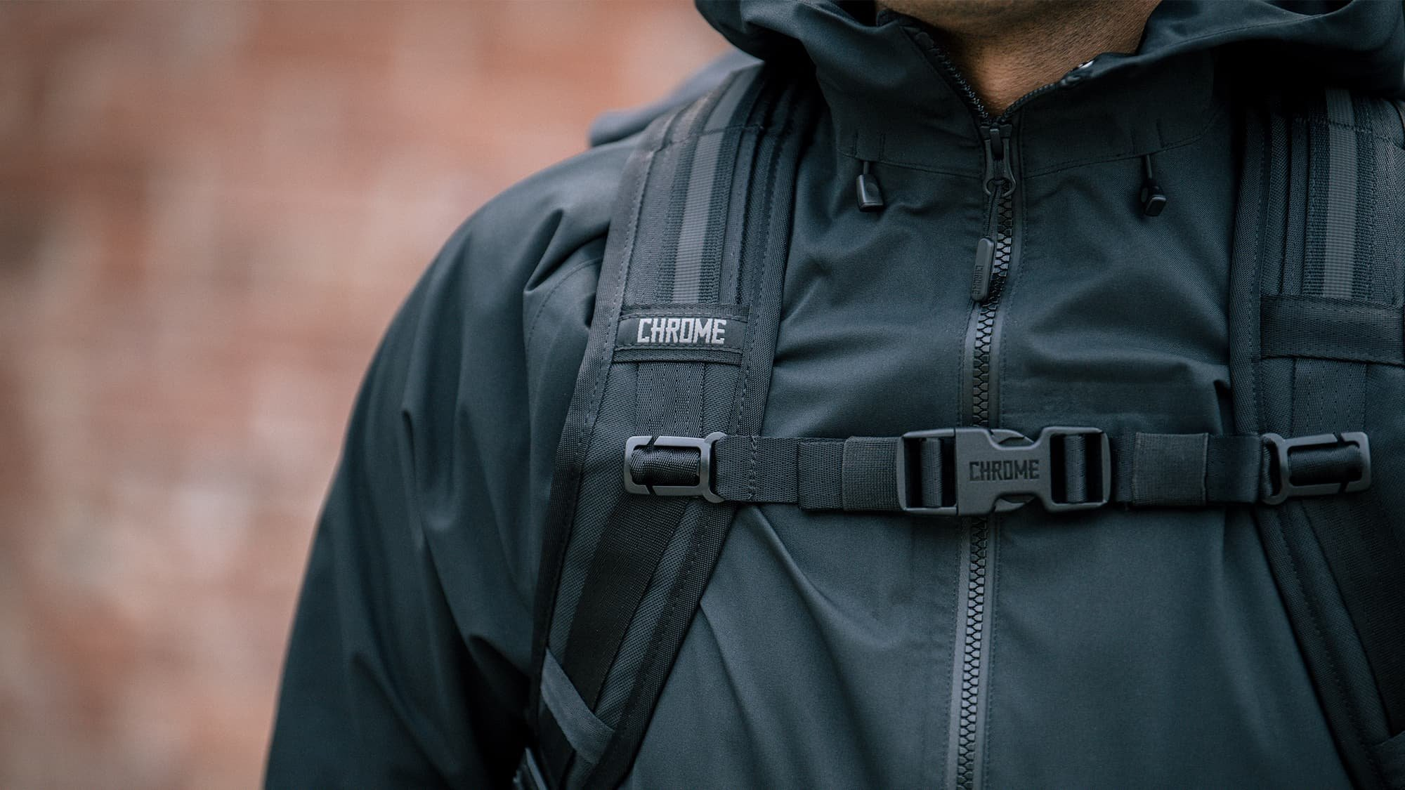 man wearing the Urban Ex 30L